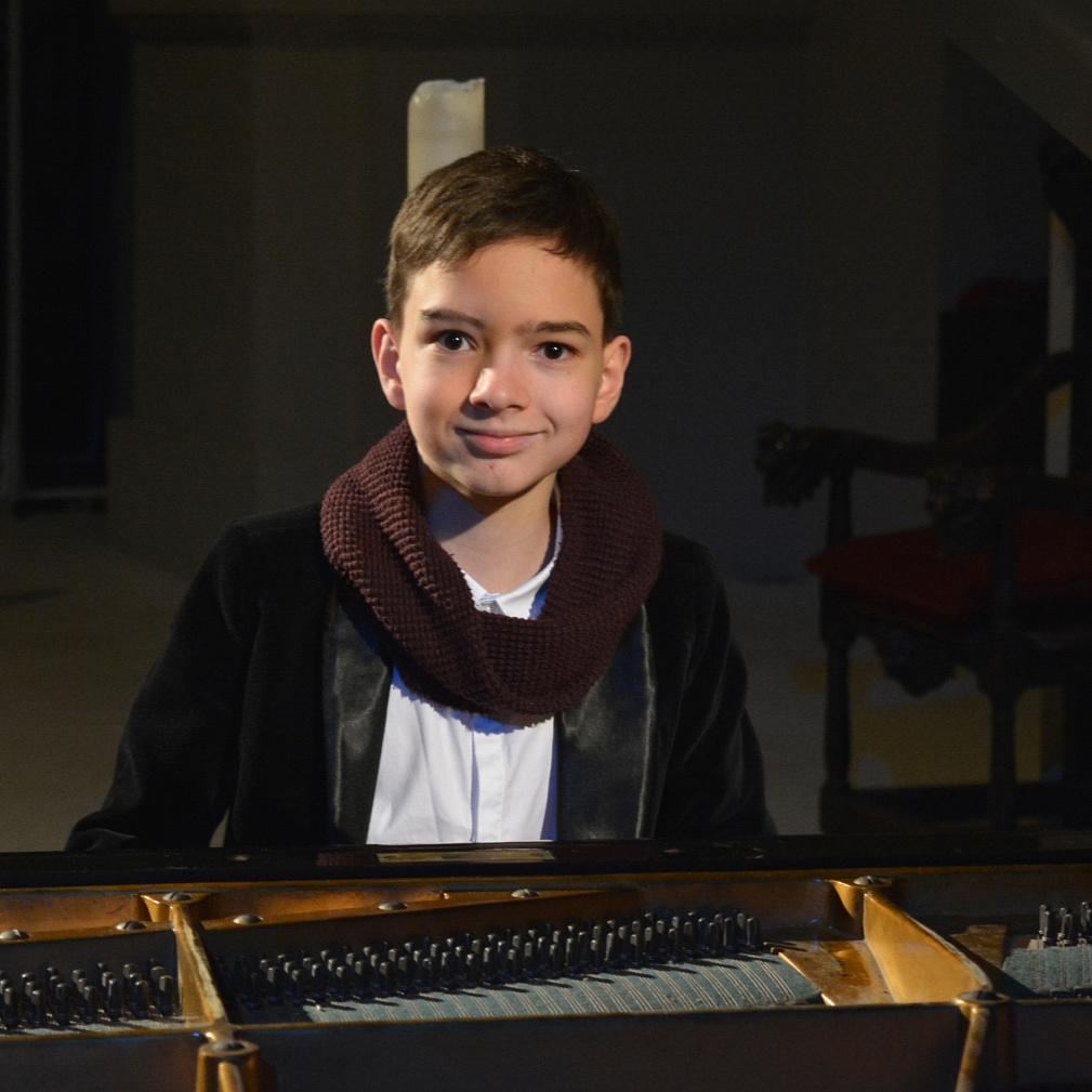 """Boros Misi: """"A zongorázáson kívül ugyanúgy csinálok mindent, mint a kortársaim"""""""
